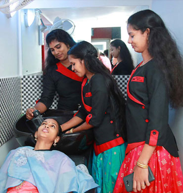 Ima Beauty Parlour And Beauty Spa in Irinjalakuda and Perinjanam, Thrissur. Beauty saloon, Beauty Clinic, Services - Bridal Makeup, Wedding makeup, PEDICURE, MANICURE, Nail Art, Full body waxing, Hair Colouring, Hair styling, Pimple Treatment, Hair Spa, Hair treatment